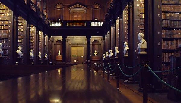 Die Bibliothek im Trinity College, Dublin, library