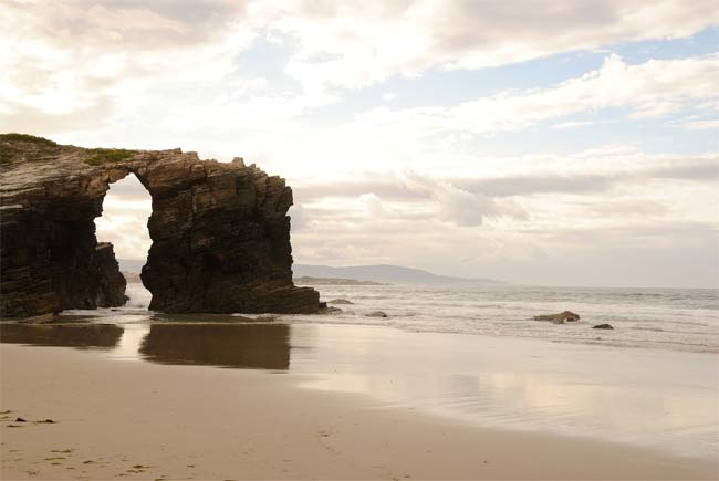 strand der kathedralen, galicien, spanien, singlereise, solo urlaub, reisen, travel