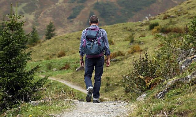 reiseideen: wandern, neue ziele entdecken