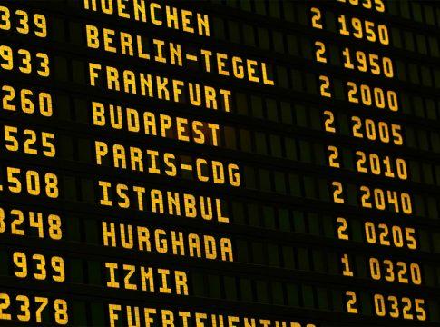 Anschluss Flug verpasst, recht, alleine reisen. single travel