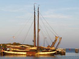 plattbodenschiff, segeln in holland, urlaub niederlande wattenmeer